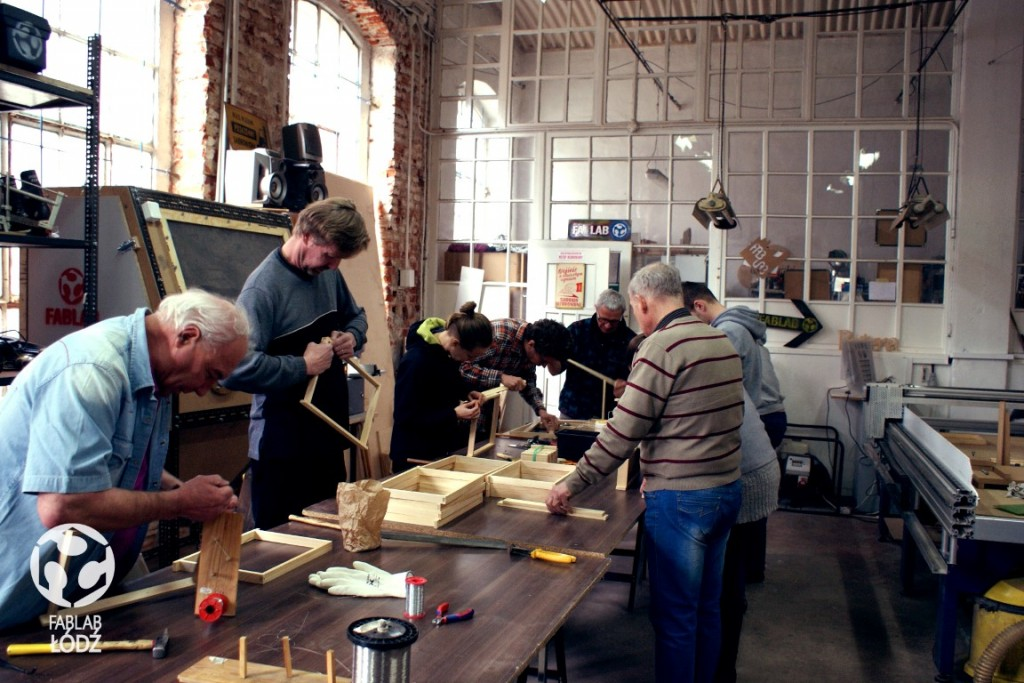 ule, drewniane skrzynki warsztaty